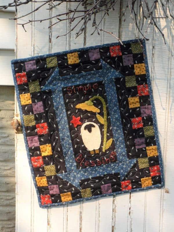Mini wool applique seasonal panels pattern