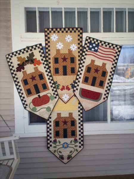 seasonal saltbox house wall hanging pieced and applique pattern