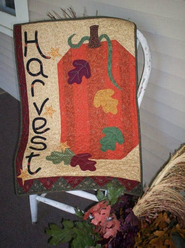 Harvest pumpkins pieced and applique wall hanging