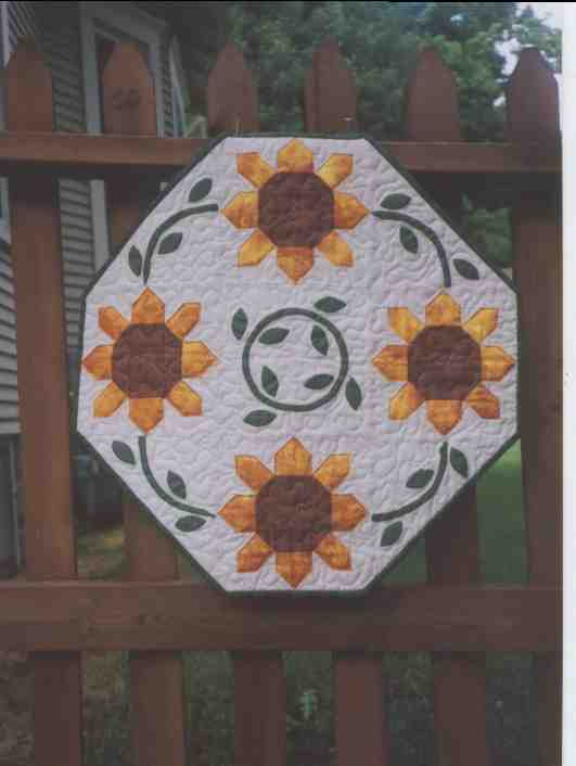 Summer sunflower table topper