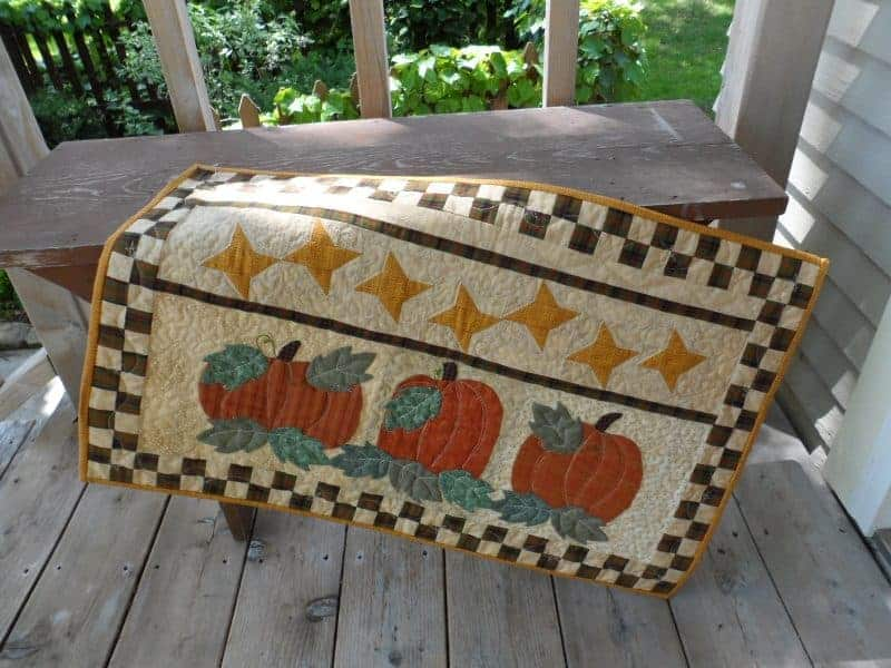 fall pumpkins wall hanging with applique