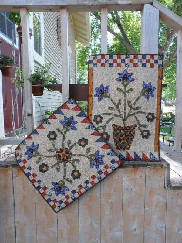 table topper and wall hanging applique pattern