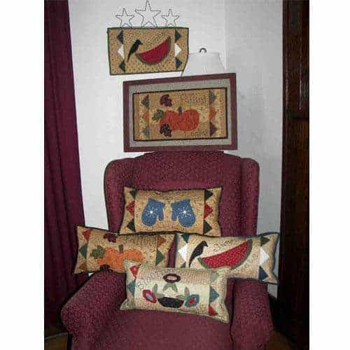 Seasonal pieced and applique pillow pattern